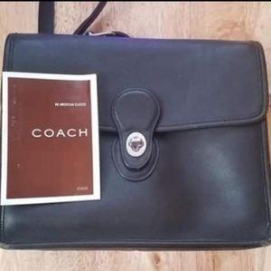 Vintage COACH Black Leather Crossbody 9927